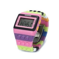 Klockowy zegarek różne kolory